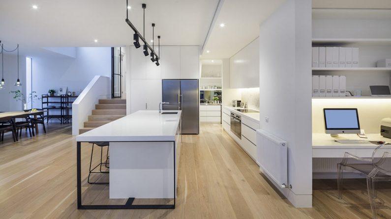 r-gallery-large-timber-revival-new-flooring-fsc-melbourne-us-oak-engineered-floorboards-kitchen