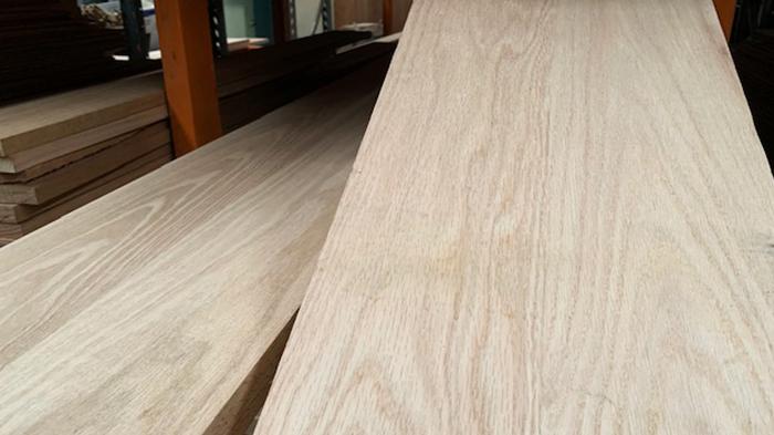 american-oak-floating-timber-shelving-melbourne